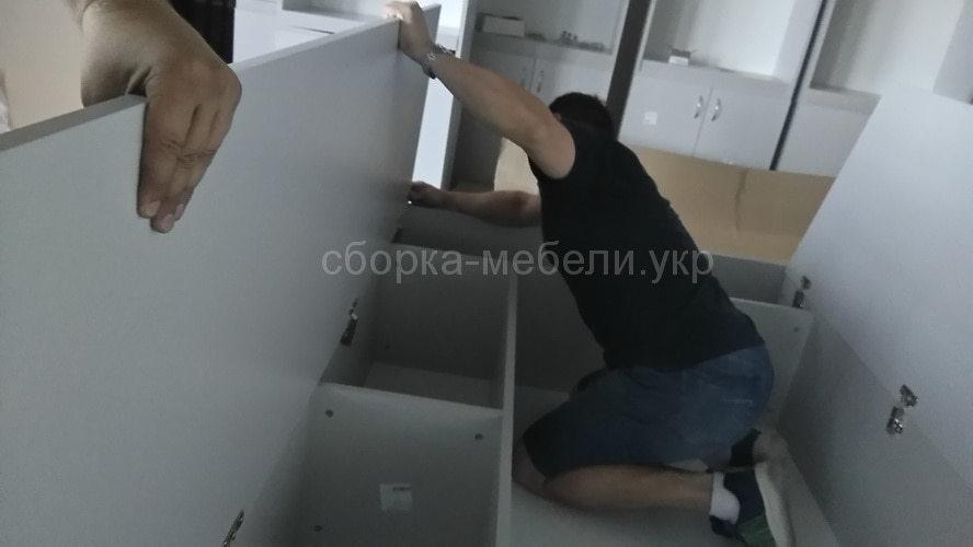 собрать офисную мебель в Киеве
